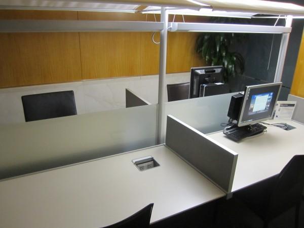 Sólo tres PCs, aunque en 5 visitas a este lounge nada más vi a una persona usarlas