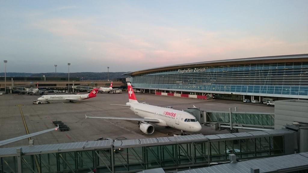La Terraza Panorámica En El Aeropuerto De Zurich Zrh