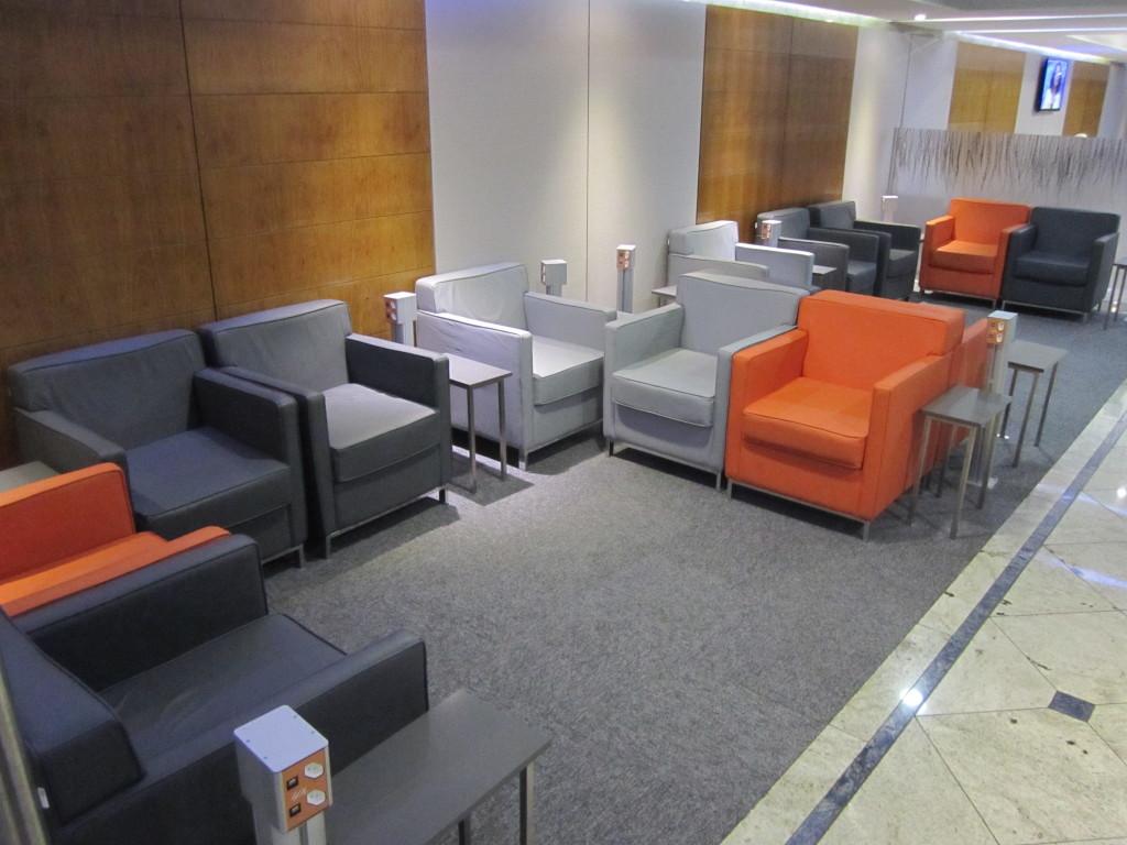 Gol Smiles 24hr Lounge Sala VIP T2 - GRU-13
