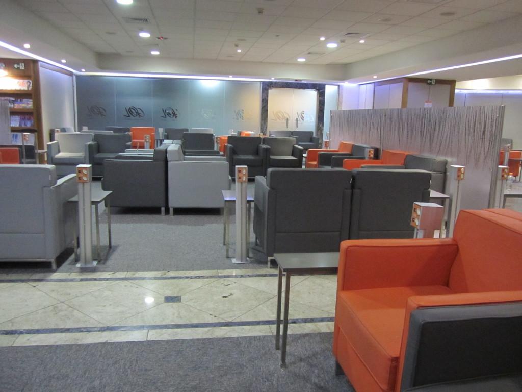 Gol Smiles 24hr Lounge Sala VIP T2 - GRU-14