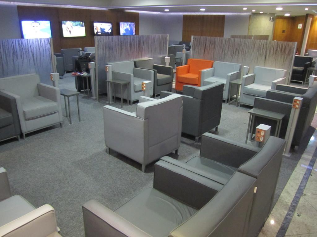 Gol Smiles 24hr Lounge Sala VIP T2 - GRU-26