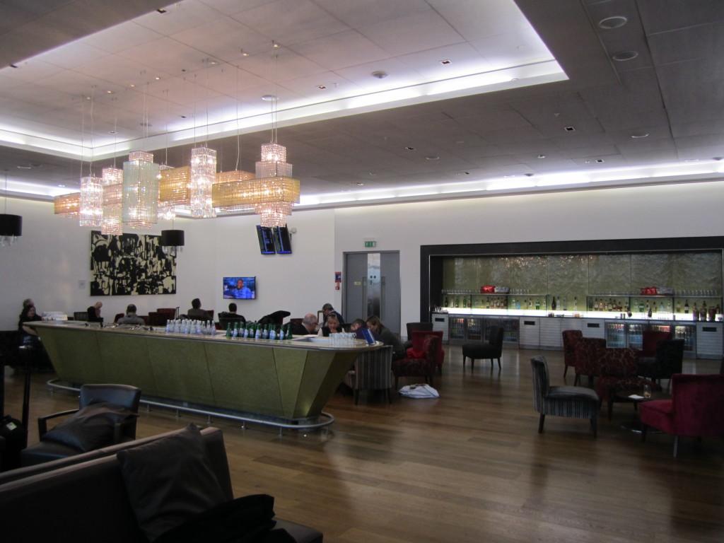 Galleries First British Airways Lounge Heathrow 2015-11