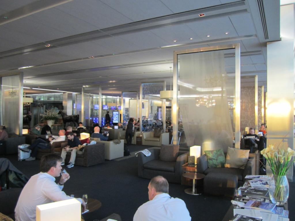 Galleries First British Airways Lounge Heathrow 2015-13