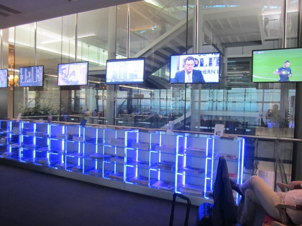 Galleries First British Airways Lounge Heathrow 2015-37