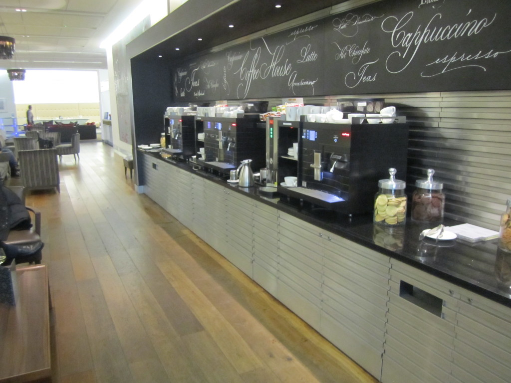 Galleries First British Airways Lounge Heathrow 2015-39