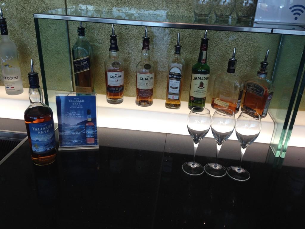 Galleries First British Airways Lounge Heathrow 2015-44